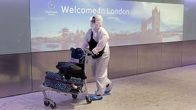 En-Reino-Unido-analizan-reducir-a-10-dias-la-cuarentena-para-viajeros-llegados-de-Espana