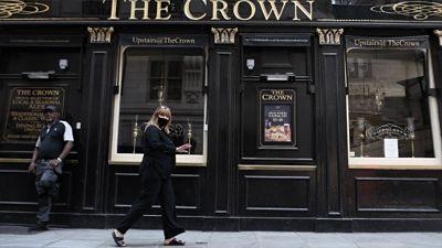 Inglaterra-abre-pubs-y-cines-en-el-mayor-alivio-del-confinamiento-en-Reino-Unido