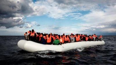 Casi-200-migrantes-esperan-en-el-Mediterraneo-que-la-UE-les-ofrezca-un-puerto
