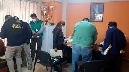 Fiscalia-allana-Alcaldia-de-Cochabamba,-investiga-la-compra-de-barbijos-y-alcohol