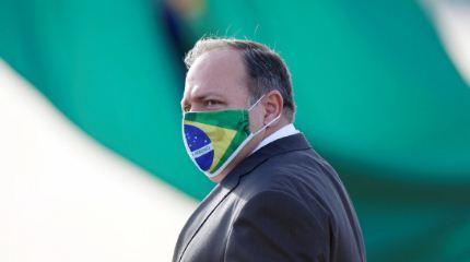 Ministro-de-Salud-de-Brasil-contradice-a-Bolsonaro-y-apoya-el-confinamiento-