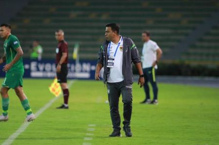 Farias-pide-dejar-trabajar-a-la-Verde:--Para-alcanzar-logros-en-el-futbol,-hay-que-dejarlo-trabajar-