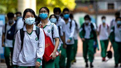 Alumnos-de-Beijing-empiezan-a-retomar-las-clases-presenciales-tras-el-cierre