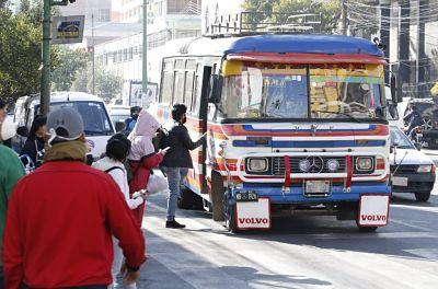 Cochabamba-amplia-dias-y-horarios-de-funcionamiento-para-el-transporte-y-comercio