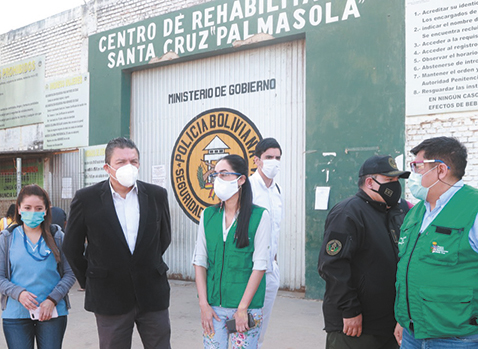 Brigadas-brindaron-atencion-medica-a-los-reclusos-de-Palmasola