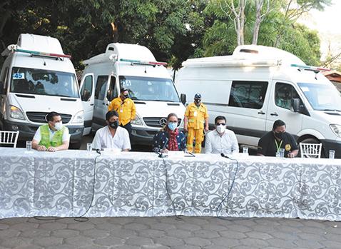 Gobierno-entrega-ambulancias-para-reforzar-lucha-contra-el-COVID-19