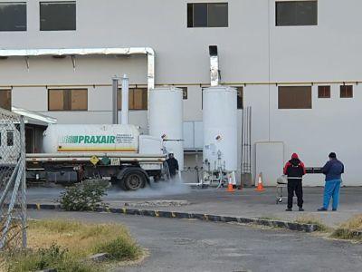 Llegan-cuatro-cisternas-de-oxigeno-para-hospitales-de-Cochabamba