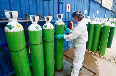 Continua-despliegue-aereo-para-abastecer-de-oxigeno-a-hospitales-afectados-por-bloqueos