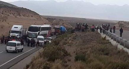 Transportistas-reportan-perdida-de-$us-1.000-al-dia-e-inician-proceso-penal-contra-bloqueadores