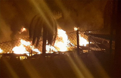 Aduana-denuncia-quema-de-18-autos-en-incendio-en-zofra-franca-de-Cobija