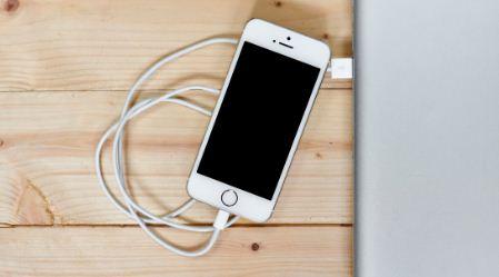 Revelan-por-que-no-hay-que-usar-un-cargador-ajeno-de-iPhone