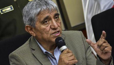 Ministro-Arias-pide-a-transportistas-sumarse-a-la-querella-contra-bloqueadores