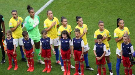 Hombres-y-mujeres-cobraran-lo-mismo-en-las-selecciones-de-Brasil
