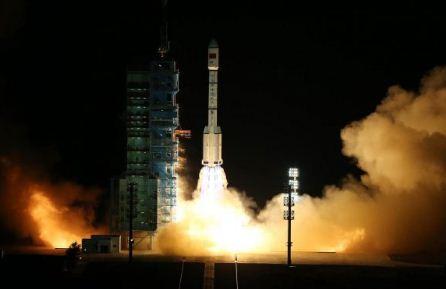 Modulo-espacial-chino-regresa-a-la-Tierra-con-exito