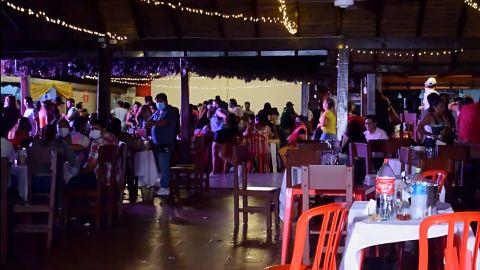 Locales-nocturnos-hacen-caso-omiso-a-restriccion-municipal