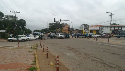 Policia-reporta-bloqueos-esporadicos-en-carreteras-y-pide-a-transportistas-mantener-la-tranquilidad