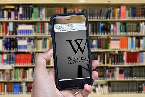 Wikipedia,-la-mayor-enciclopedia-del-mundo,-cumple-20-anos