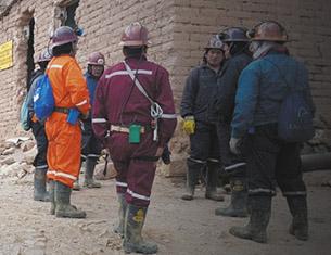 Reforzaran-seguridad-en-mina-Huanuni