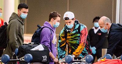 Dos-positivos-de-coronavirus-en-avion-que-traslado-tenistas-para-el-Abierto-de-Australia