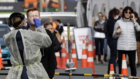 Nueva-Zelanda-detecta-primer-contagio-en-dos-meses