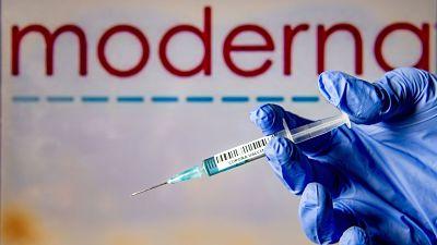 Moderna-dice-que-su-vacuna-es-eficaz-contra-nuevas-cepas-de-Sudafrica-y-el-Reino-Unido