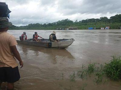 Rescatan-a-personas-que-quedaron-atrapadas-por-la-crecida-del-rio-Ichilo