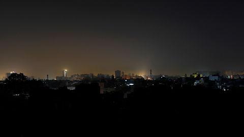 Pakistan-se-queda-en-la-oscuridad-tras-un-apagon-a-nivel-nacional