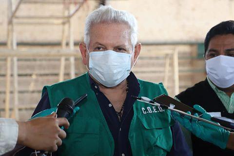 Costas-anuncia-la-adquisicion-de-100-mil-vacunas-AstraZeneca-para-Santa-Cruz