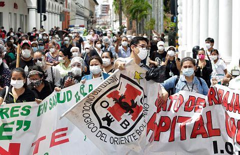 Trabajadores-de-salud-realizaron-paro-de-24-horas-exigiendo-cuarentena-rigida