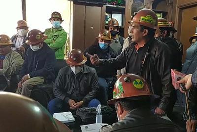 Mineros-de-Potosi-amenazan-con-medir-fuerzas-con-Fencomin-si-no-acreditan-a-su-dirigencia