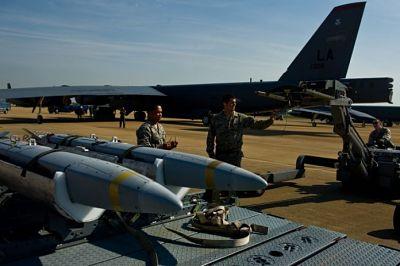 EEUU-ensaya-bombas-de-la--Horda-de-Oro-,-capaces-de-intercambiar-informacion-y-modificar-su-ruta