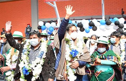 Luis-Arce-insiste-en-haber-recibido-un-pais-en-quiebra-y-sin-plata-para-las-obras-dejadas-por-Evo-Morales