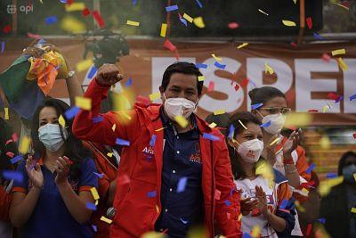 Autoridades-bolivianas-saludan-el-triunfo-electoral-de-Arauz-en-Ecuador