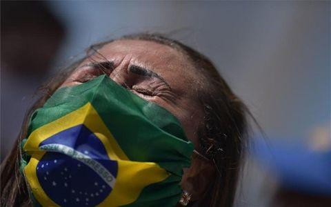 Coronavirus-en-Brasil:-12-meses-y-250.000-muertos