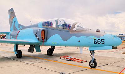 ¿Como-era-el-avion-caza-de-fabricacion-china-que-se-estrello-sobre-una-casa-en-Sacaba?