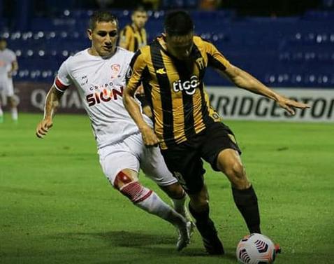 Royal-Pari-se-despide-de-la-Libertadores-con-un-empate-ante-Guarani