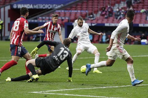El-Madrid-rescata-un-punto-ante-el-Atletico-y-pone-al-rojo-vivo-la-pelea-por-el-titulo
