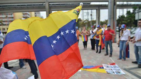 Biden-otorga-proteccion-a-320.000-venezolanos