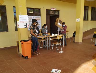 Balotaje:-Cierran-mesas-electorales-e-inician-conteo-de-votos-en-cuatro-departamentos