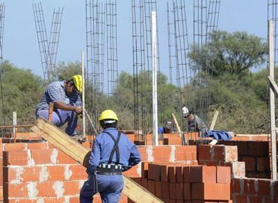Trabajadores-fabriles-plantean-12%-de-incremento-salarial,-dejan-negociacion-en-manos-de-la-COB