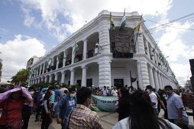 Gremiales-protestan-para-que-ambulantes-sean-desalojados-de-tres-mercados