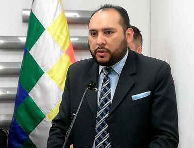 Ministro-de-Gobierno-posesiono-a-nuevo-viceministro-de-Seguridad-Ciudadana,-Roberto-Rios