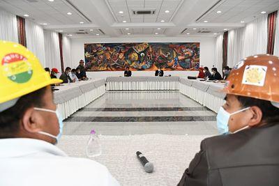 COB-pide-al-Gobierno-un-incremento-salarial-del-5%-al-haber-basico-y-al-minimo-nacional