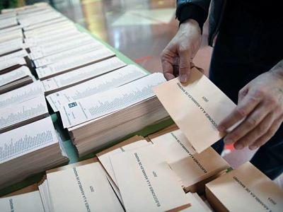 En-medio-de-un-aspero-ambiente-politico,-Madrid-elige-nuevos-legisladores