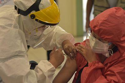 COVID-19:-Suman-1.505.972-inmunizados-con-la-primera-dosis-y-477.434-con-la-segunda