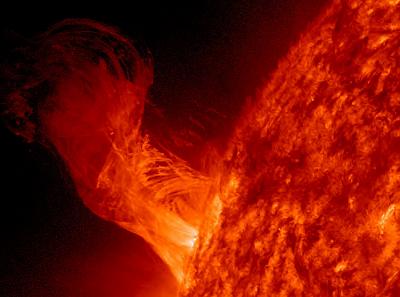La-NASA-investiga-una-enorme-explosion-nunca-antes-vista-en-el-Sol