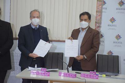 Laboratorios-Bago-entrega-al-Ministerio-de-Salud-medicamentos-y-equipamiento