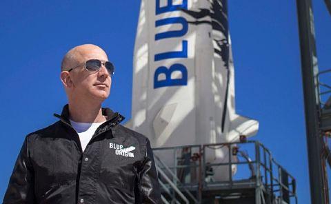 Pagan-28-millones-de-dolares-por-viajar-al-espacio-junto-a-Jeff-Bezos