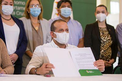 Gobernador-Camacho-presenta-proyecto-para-viabilizar-compra-internacional-de-vacunas-anticovid