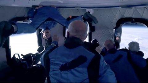 Jeff-Bezos:-asi-fue-el-viaje-de-11-minutos-al-espacio-del-multimillonario